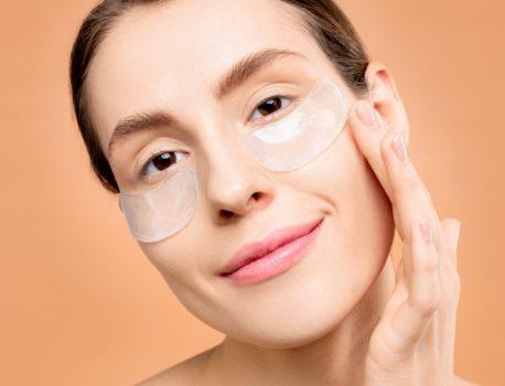 ¿Cómo combatir las arrugas en el contorno de ojos?